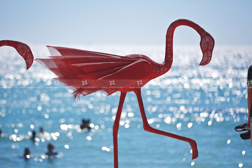 Red-Flamingo-WendiZhang_mino5_wayofthewind2015_SXSCottesloe-flamingo-sculpture-Mi.No.5-Wendi-zhang-sculptor-china-sculpture-by-the-sea-cottesloe-perth-west-australia-bondi I.jpg