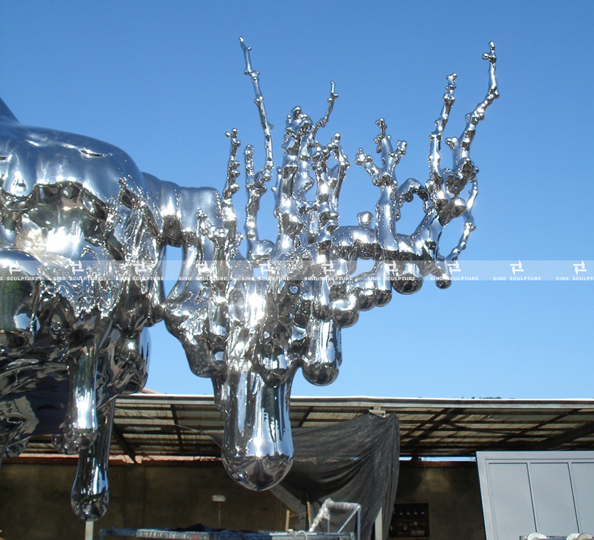 no.5-top-mirror-stainless-steel-sculpture-hen-wenling-casted-mirror-stainless-steel-monuments-contemporary-artwork.jpg