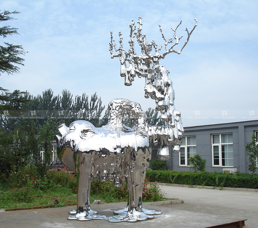 no.3-mirror-stainless-steel-sculpture-hen-wenling-casted-mirror-stainless-steel-monuments-contemporary-artwork.jpg