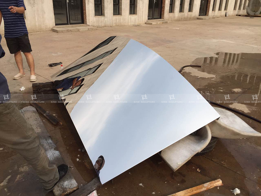 mirror-polishing-sample- stainless-steel-could-sculpture-architectural-decoractive-curved-stainless-steel-facading.jpg