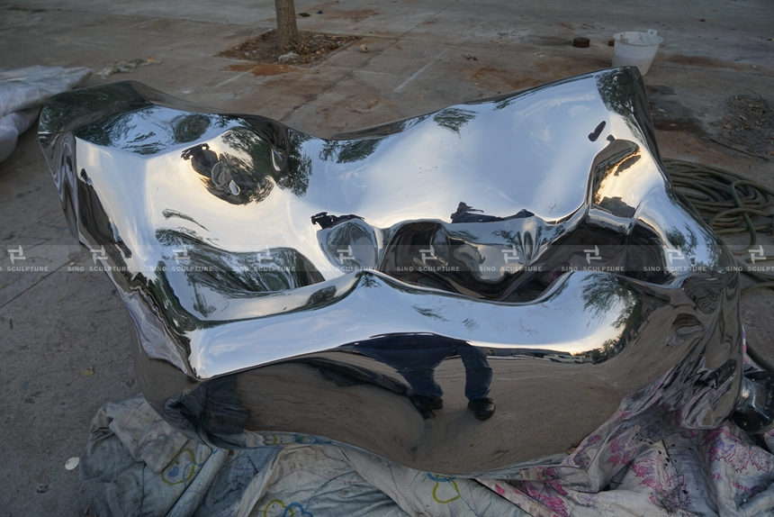 after mirror polishing-stainless-steel-rock-sculpture-mirror-stainless-steel-rock-monuments.jpg
